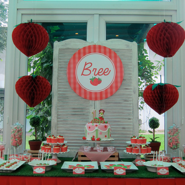 Bree S Strawberry Garden A Strawberry Shortcake 1st
