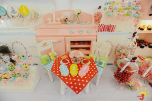 Little Yuna's Retro Diner and Kitchen Party
